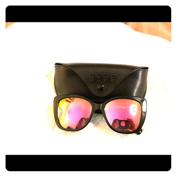 569457e6613 Diff Eyewear Accessories - Diff Sunglasses Ruby Style Black with PinkLenses.